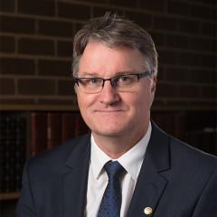 Prof Lloyd Hollenberg